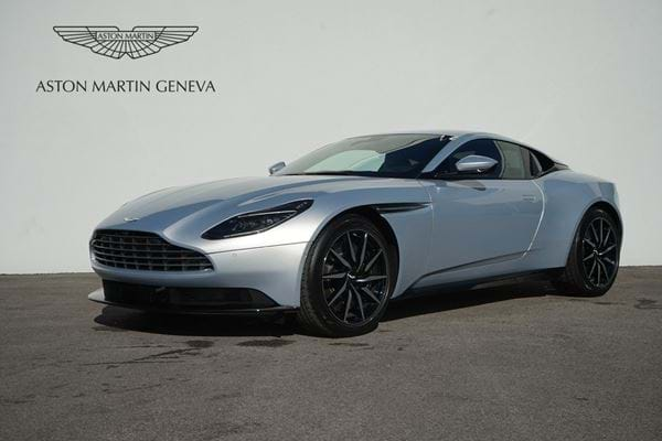 Aston Martin DB11 Coupe V8