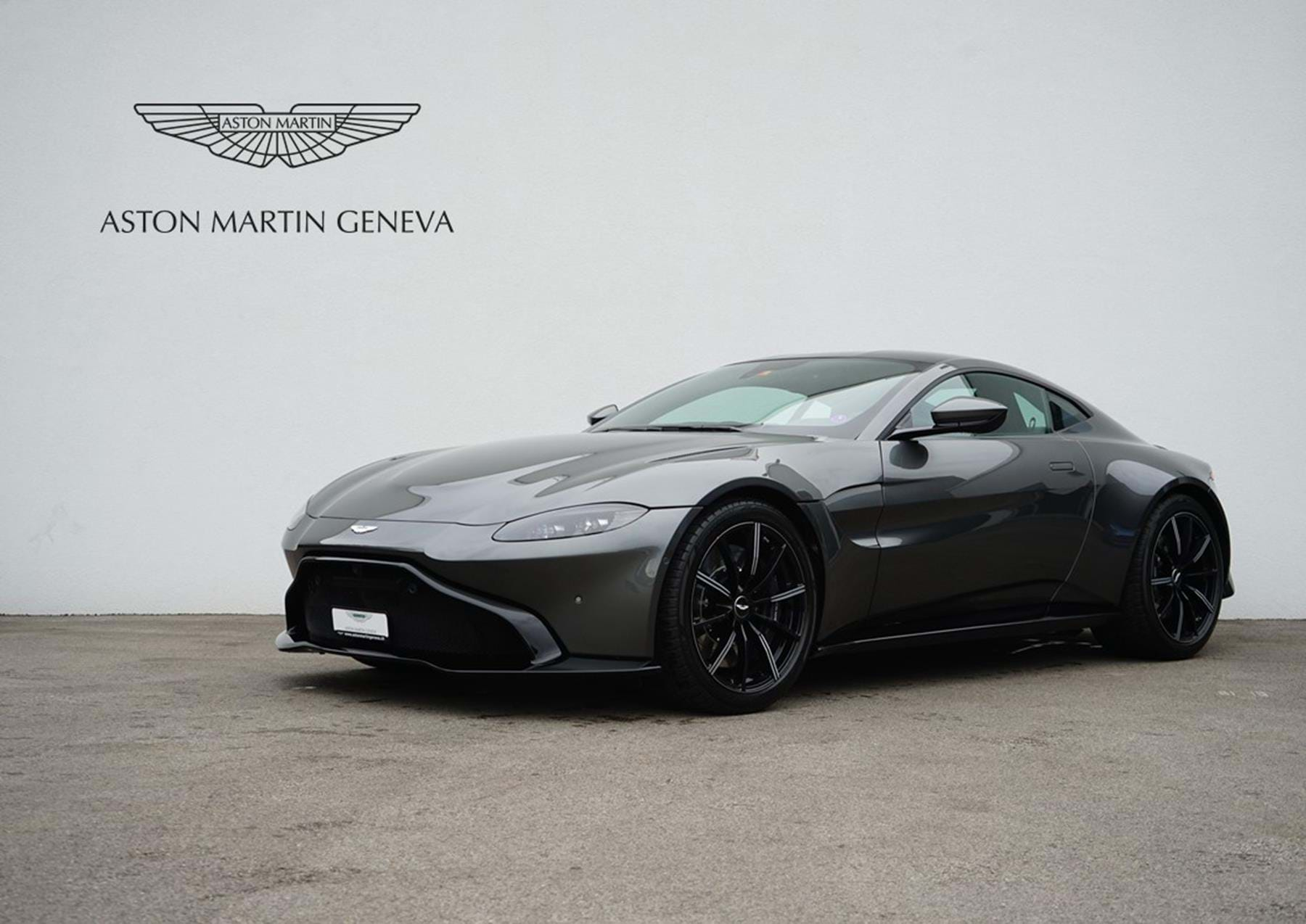 New Vantage Coupe Magnetic Silver N04681