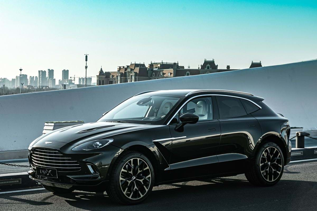 Aston Martin DBX - SUV's Price from CHF 211'690,-