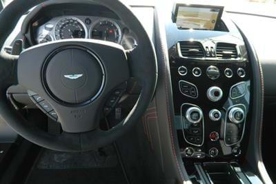 V8 Vantage S MY17 Diavolo Red