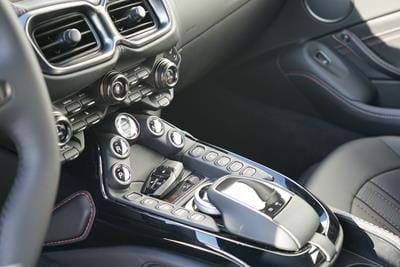 New Vantage V8 4.0L MY19